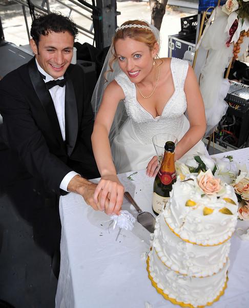 Sicilian Wedding, Couple and Cake