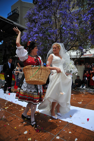 Sicilian Wedding, Flower Toss with Bride,