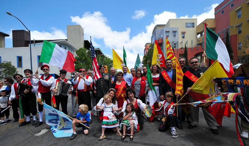 Long shot procession Sicilian Festival 2010