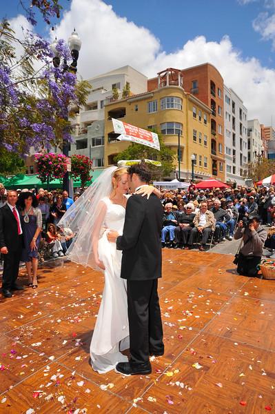 Sicilian Wedding, Bride with Banner