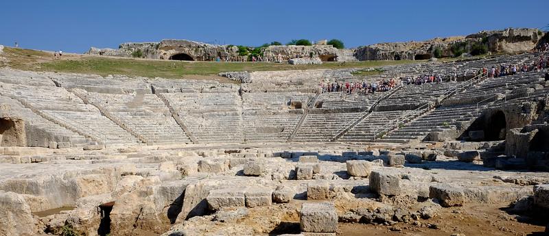 Greek temple in Syracusa, held 10,000 people