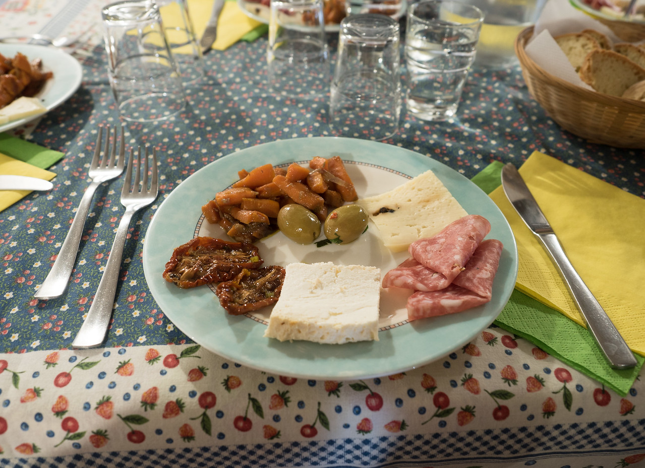 Ist Course, Lunch at Codavolpe Farm