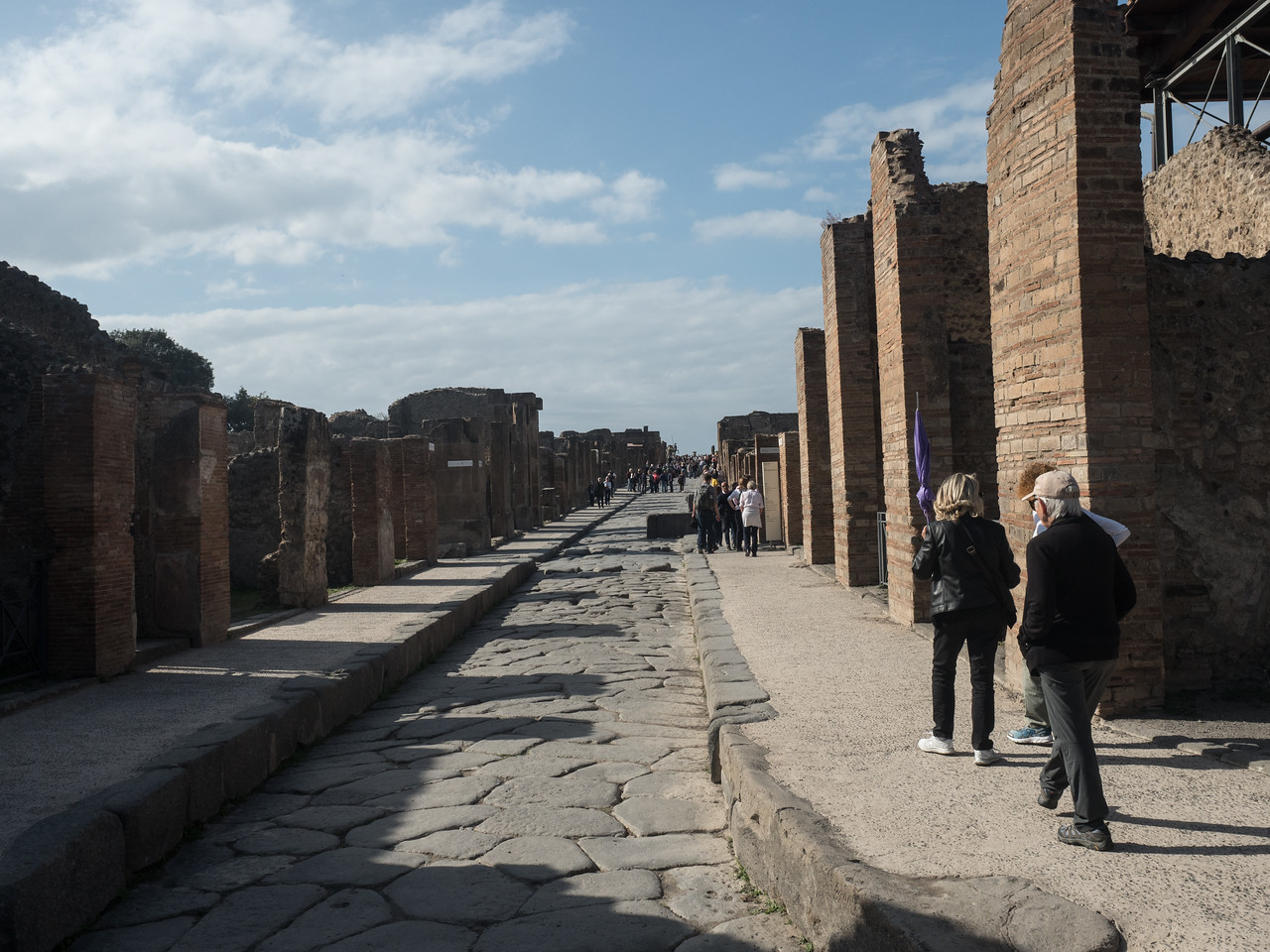 Via Dell' Abondanza. Pompeii