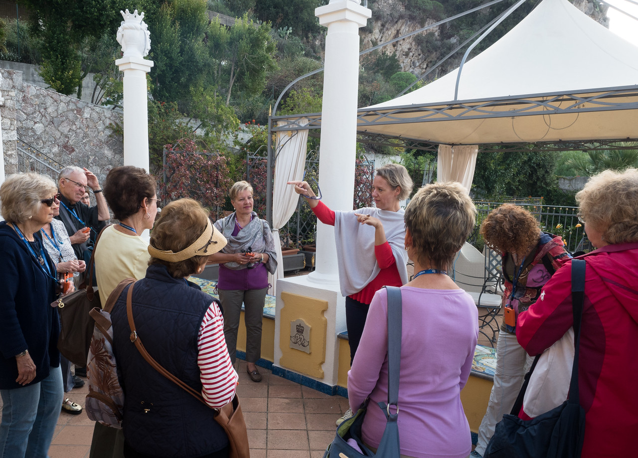 Dania introduces local guide and get us started