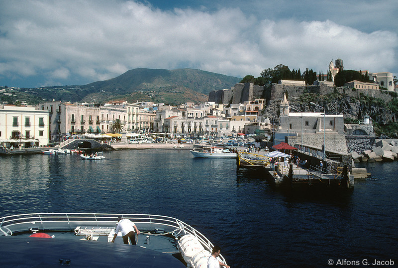 Marina Corta and Castello, Isola Lipari, Aeolian Islands, Italy