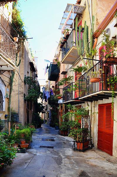 Monreal Alley