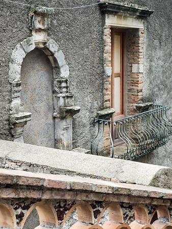 Beautiful structure in the botanical garden, Taormina