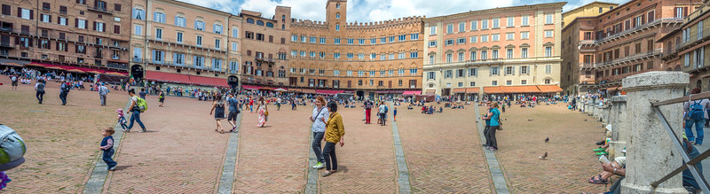 Piazza del Campo (looking right from drain)