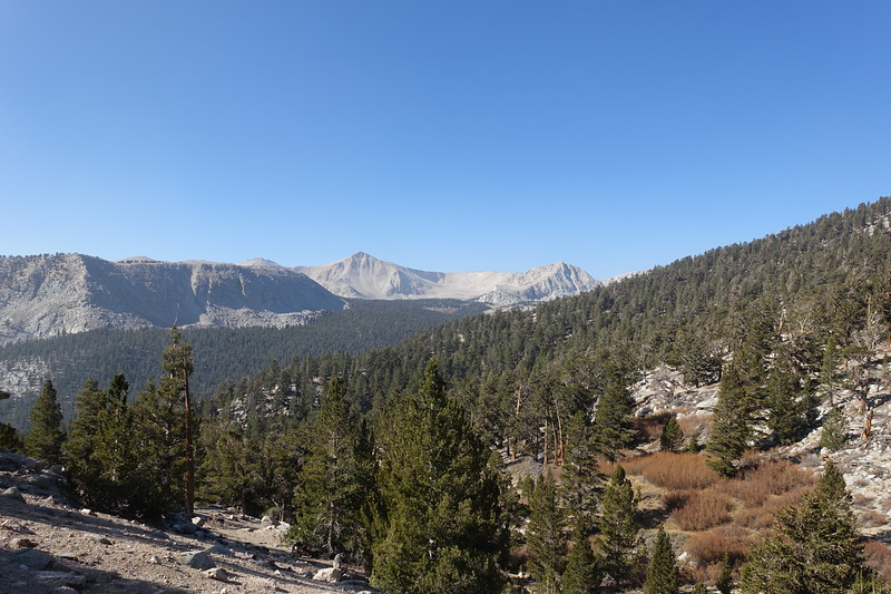 Looking back.  Cirque L of center.  Already a bit smokey from norcal and socal fires.