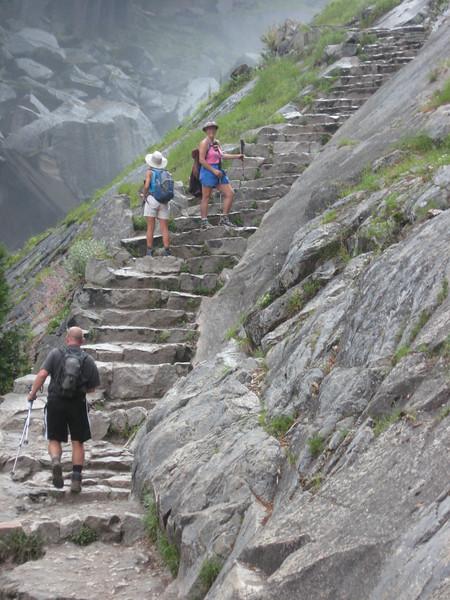 steps along the mist trail