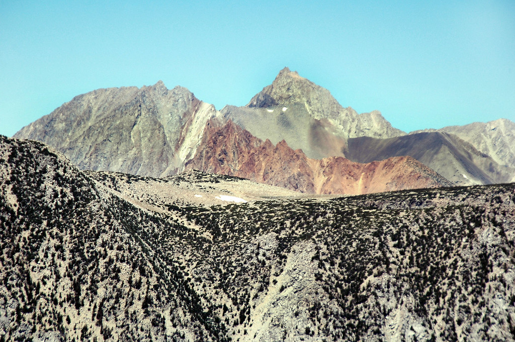 Zoomed in on Mount Humphreys at 13,986 feet with the Piute Crags in front of it.