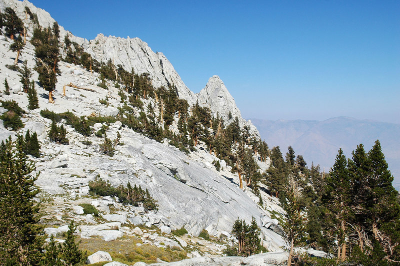 Nice views, this is only my second hike in the Sierra this year. Like to get in a few more hikes before the snows come.