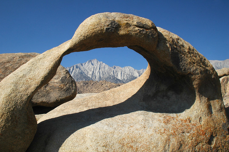 We found it. The arch with Lone Pine Peak.