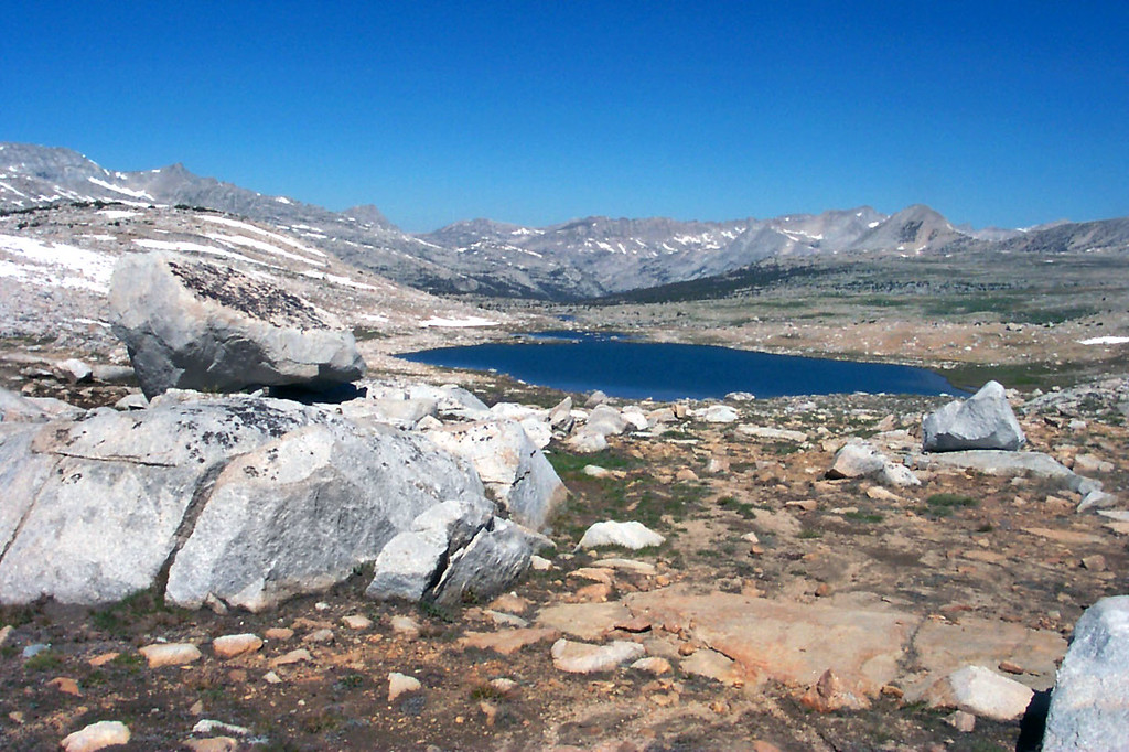 Summit Lake from Piute Pass. Nice to be able to hike out under blue skys. When we hiked in, it was raining out there.