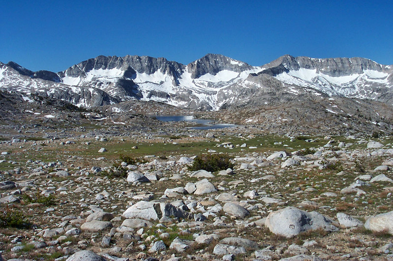 A view of the Glacier Divide and Tomahawk Lake.