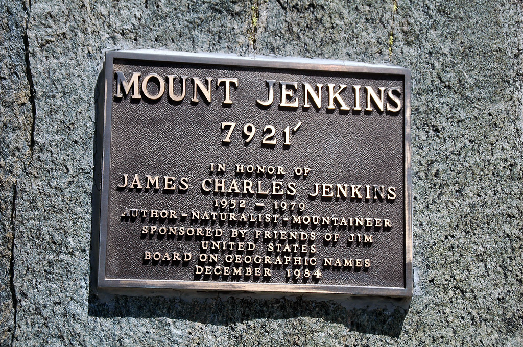 Close up of the plaque.