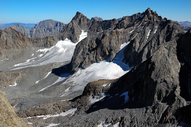 Closer view of the Palisade Glacier with Mount Sill 14,153' and Thunderbolt Peak 14,003'.
