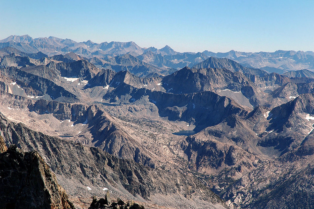 Looking to the southwest beyond Dusy Basin.