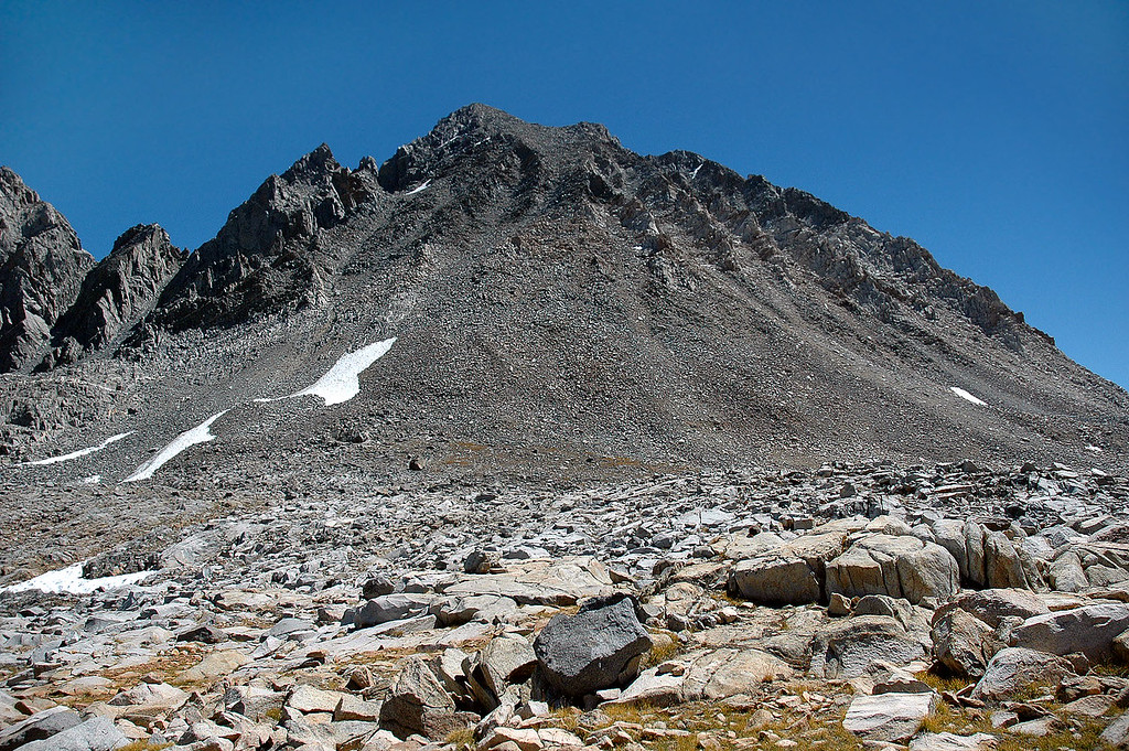 Mt Agassiz from Bishop Pass 12,000'. I've been hiking on a trail up to this point. From here it will be XC for the next 2,000' of gain to reach the peak.
