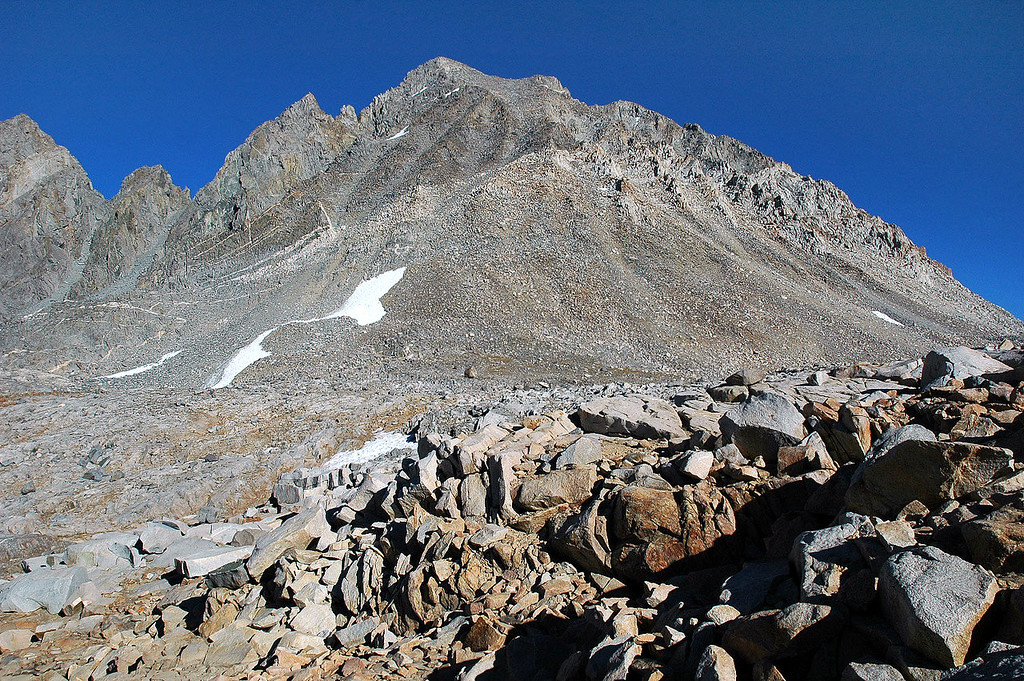 Another look at Mt Agassiz from the pass before I start the hike back to South Lake.