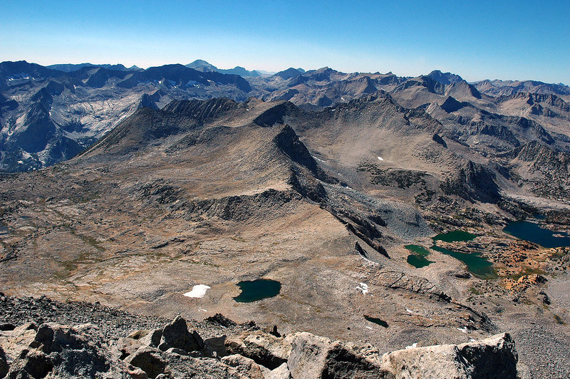 Mt Goode, Bishop and Saddlerock Lakes come into view.