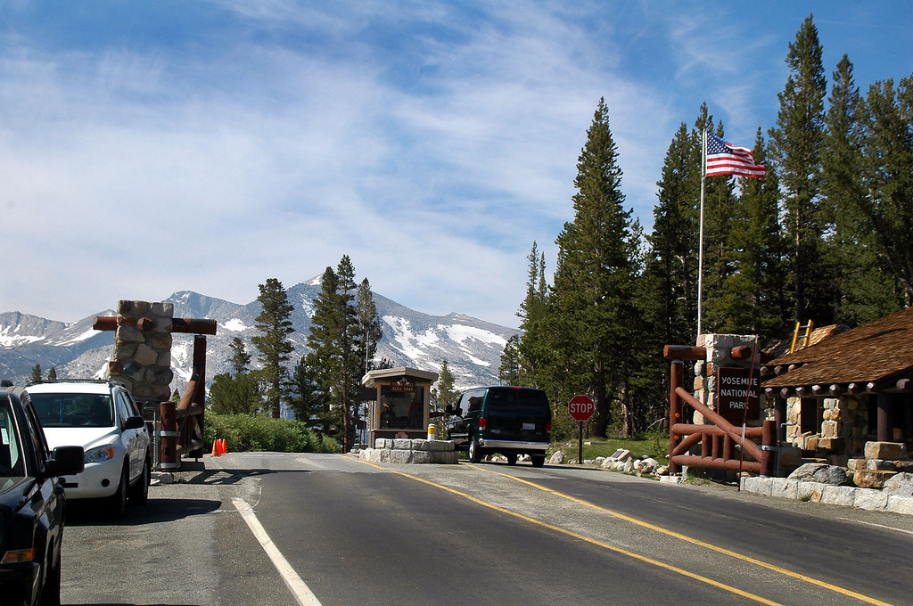 The next morning we were at Tioga Pass, our hike to Mount Dana will start here at just under 10,000 feet.