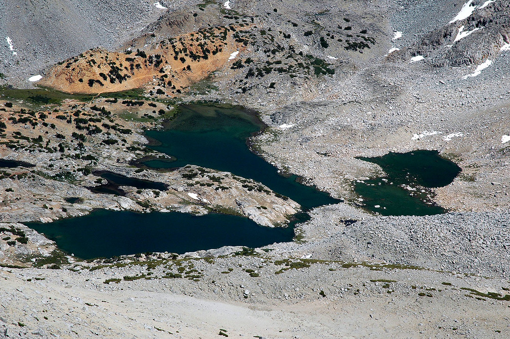 Zoomed in on Bishop Lake. The trail above the lake leads to Bishop Pass.