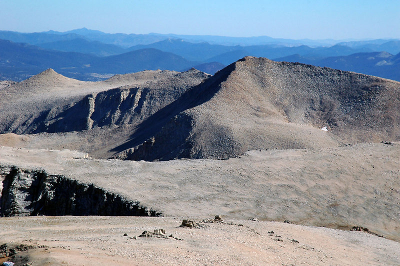 Cirque Peak to the south.