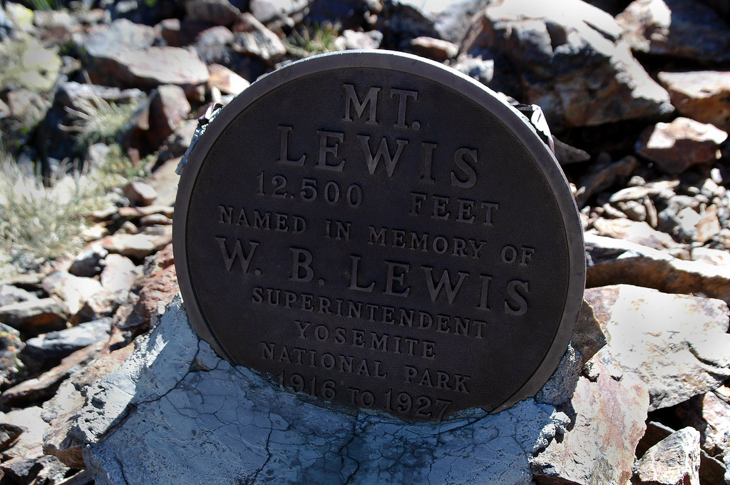 The plaque on top of Mount Lewis.