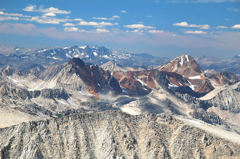 Zoomed in on Red & White Mountain and Red Slate Mountain. Mount Starr's summit is in the foreground.