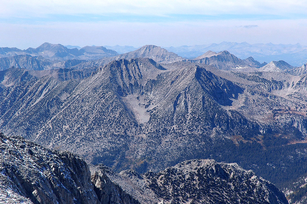 The giant bear paw in the center of this mountain.