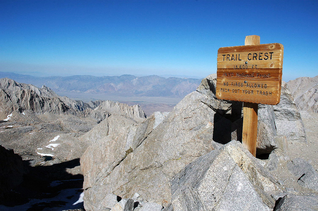 The sign at Trail Crest 13,600'.