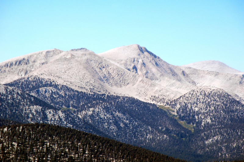 Zoomed in on Trailmaster and Cirque Peaks.