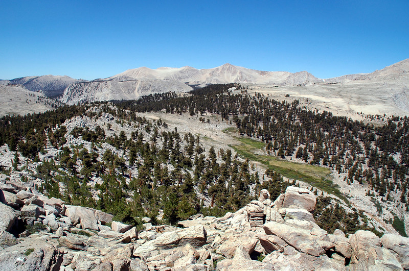Trailmaster and Cirque Peak  to the southeast.
