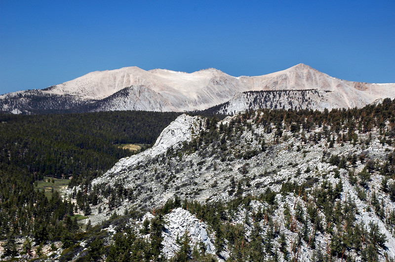 To the west, Trailmaster Peak on left and Cirque on the right.