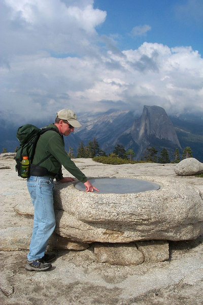 This locator thing-of-abob made it easy to pick out the landmarks in the area. Half Dome in the background. Photo by Helen