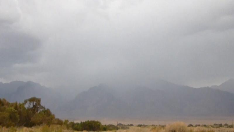 Video:  Nov 27, 2014  Lightning storm in the Sierra (5 lightning flashes)