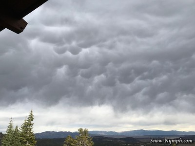 2017-10-30  Mammatus Clouds and Virga (in Mammoth)