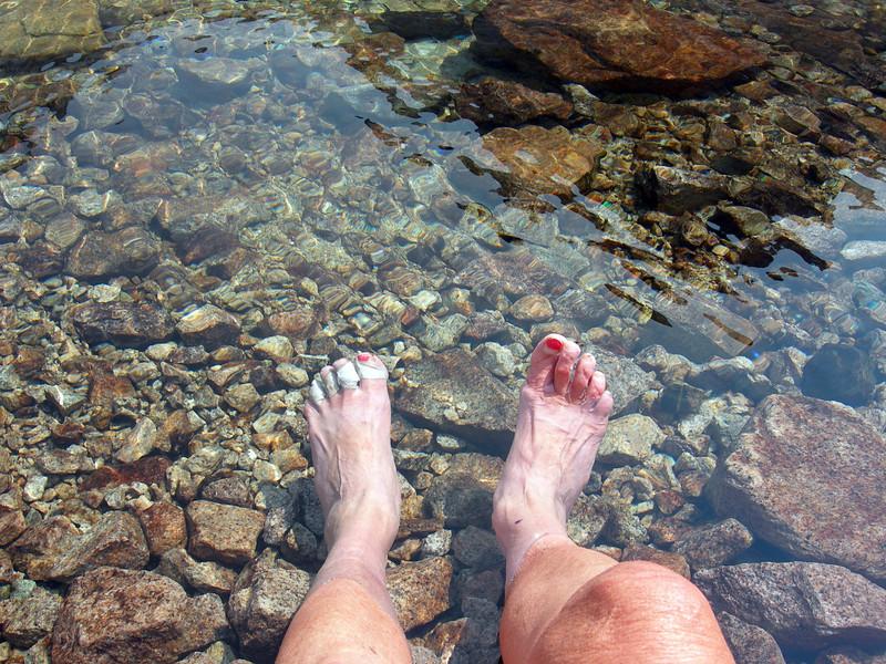 Sore toes in Cub Lake