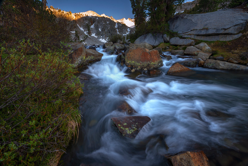 Lyell creek headwaters and Donahue Pass at sunset along the JMT