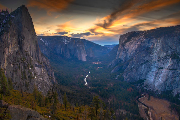 Yosemite Valley from the 4 Mile Trail