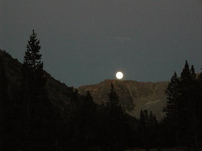 Moonrise - 95% waxing