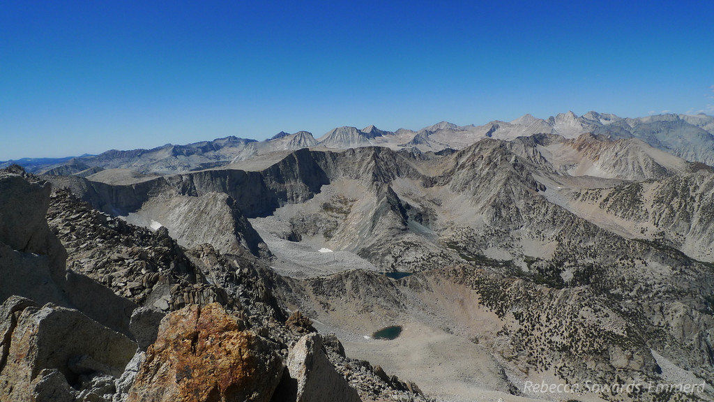 View to the west. Four Gables in the foreground. Behind that is Merriam/Royce/Feather. Behind them is Seven Gables, one of my favorite peaks ever. To the right - Hildegard, Mt Julius Caesar, Bear Creek Spire.