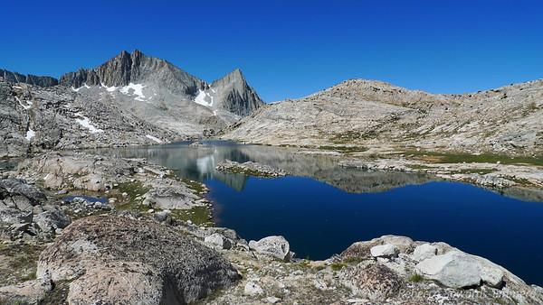 Vee Lake