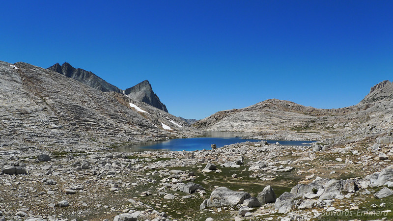 Vee Lake from Claw Lake (and seven gables)