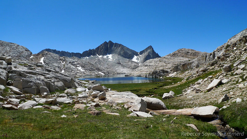 We decided to head over to Ursa Lake via a nice-looking grassy rampy pass. It was good choice - the views back down towards Vee and Seven Gables were really nice.
