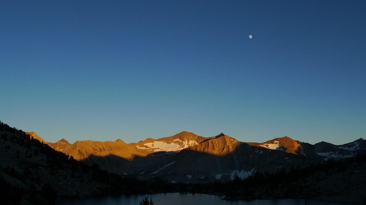 Gorgeous moonrise and sunset.