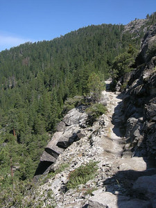 On the hike up this trail was a running river - today it has dried out and I can enjoy the views.