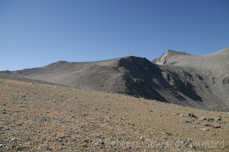 Ahead, I'll turn right and follow this ridge to the summit of Vagabond, then down the other side to the base of Cloudripper (out of view right now).