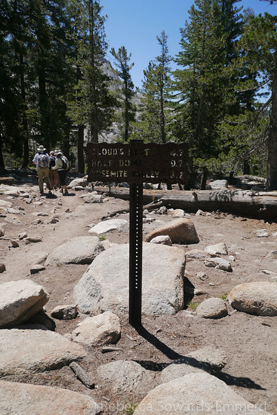 Typical yosemite trail sign at the top of the first climb.